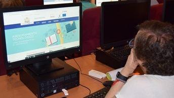 La Junta de Castilla-La Mancha ha llegado a 470 personas mayores de 55 años a través de su Programa CapacitaTIC+55