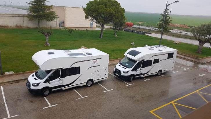 Confinados en caravanas para garantizar el suministro de agua en Albacete