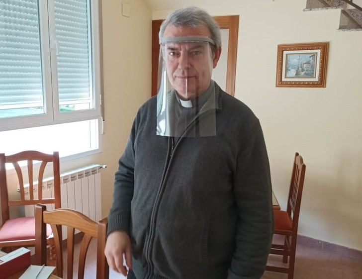 Real Asociación Virgen de Los Llanos se suma a la fabricación de material para los sanitarios de Albacete