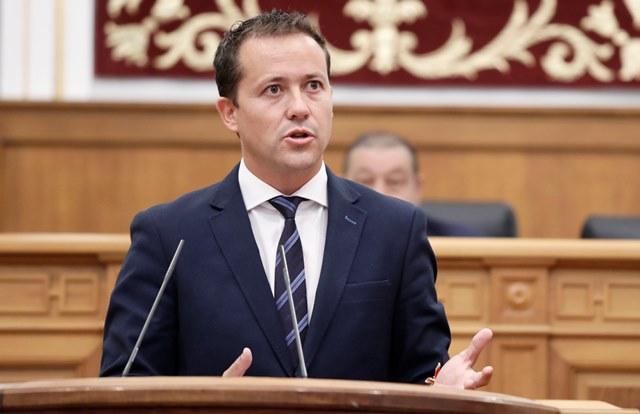 Velázquez (PP) lamenta que Page les impida hablar en las Cortes sobre el incremento de las listas de espera sanitarias