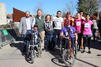 Gran ambiente en la sexta carrera solidaria del implante coclear de la AICCLAM, en Albacete