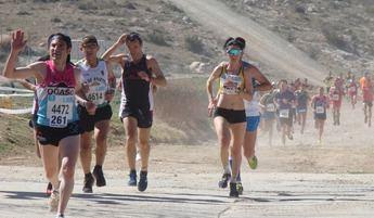 María Ángeles Magán y Ángel Torrecilla se impusieron en la Carrera Popular de Fuentealbilla