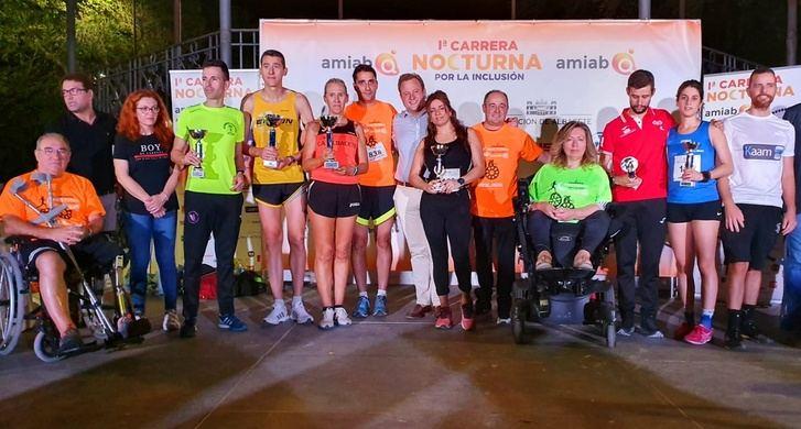 Cerca de 900 inscritos en la primera edición de la Carrera Nocturna por la inclusión de Albacete, organizada por Amiab