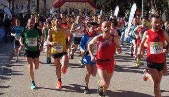 Pablo López y María Ángeles Magán ganaron, con nuevo récord, la Carrera Popular de Minaya
