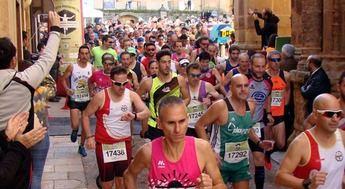 Adela Cabañero y Pedro Amores fueron los ganadores de la carrera popular entre Alcaraz y el Santuario de Cortes (Albacete)