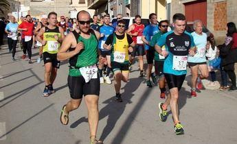Jesús Ángel Rodríguez y Eva Moreno volvieron a ganar la carrera a la Peña de San Blas de Elche de la Sierra