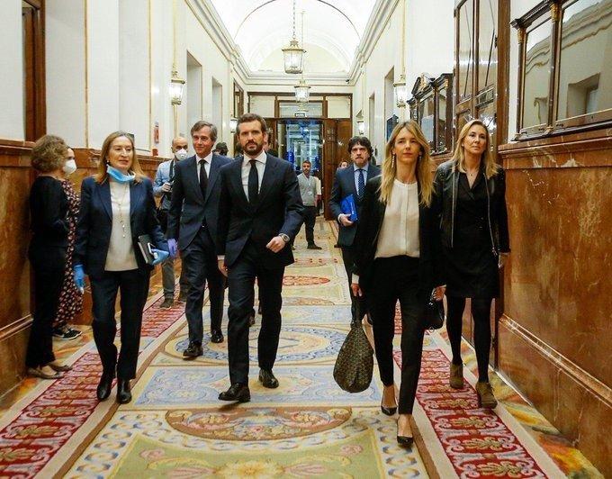 Casado acusa a Sánchez buscar 'subterfugios' con los Pactos de la Moncloa para 'tapar' su 'fracaso'