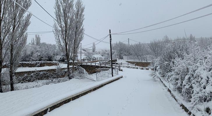 Imágenes de la nevada del paraje de 'El Caño' en Casas de Lázaro.