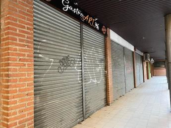 Locales cerrados en el centro de Toledo.
