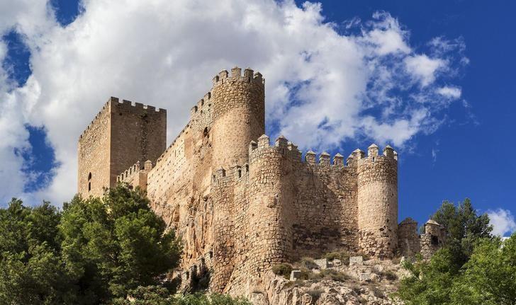 En marzo aumentaron los de viajeros alojados en establecimientos hoteleros de Castilla-La Mancha un 2,1%
