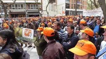 Miles de cazadores salen a la calle en Castilla-La Mancha para reivindicar la caza