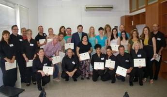 Entregados los diplomas del Curso de Inglés para profesionales y para la Escuela de Hostelería