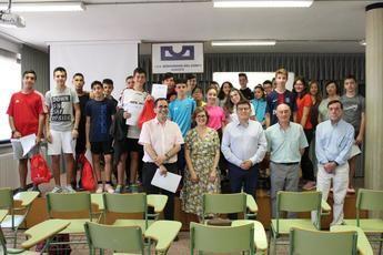 Entregado el premio de la Junta del programa 'Clase sin humo' al IES Bernardino del Campo de Albacete y Pérez Pastor de Tobarra