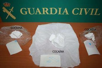 Detenidas tres personas y desmantelado un punto de venta de cocaína en Torrijos (Toledo)