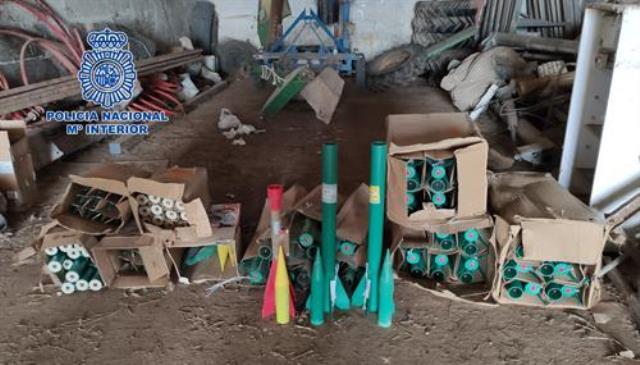La Policía Nacional desactiva 50 cohetes antigranizo hallados en una explotación agrícola de Alcázar de San Juan