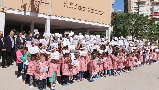 Imagen de archivo de alumnos del colegio Mayor Zaragoza de Albacete.