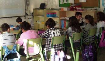Anpe se opone a que los profesores tengan que administrar la medicación en los colegios de Castilla-La Mancha