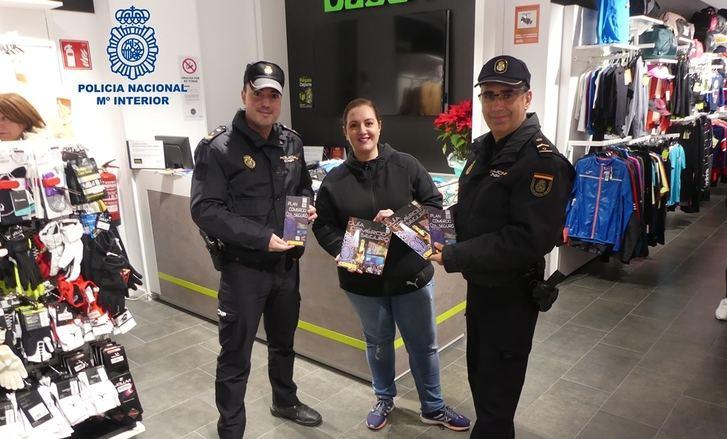 Las Comisarías de Albacete y Hellín intensifican la presencia policial en la calle durante la Navidad