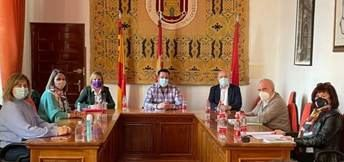 La Diputación de Albacete participó en la constitución comisión de los actos del VIII Centenario de la Virgen de Cortes