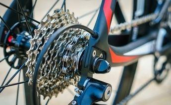 Cómo mejorar tu bici con los mejores complementos
