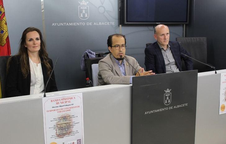 La Banda Sinfónica Municipal de Albacete se prepara para iniciar este jueves los conciertos de verano en el parque Abelardo Sánchez