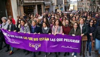 Cientos de personas rechazan la violencia machista en diversas concentraciones en Castilla-La Mancha