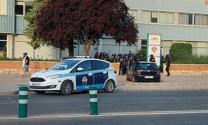 El Ayuntamiento de Albacete no vigiló la salud de los policías tras el motín de temporeros