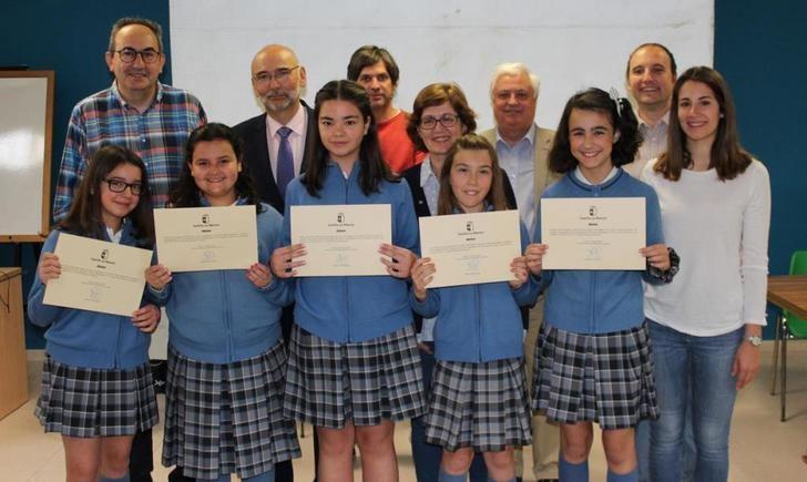 Alumnos de Albacete, Cuenca e Iniesta obtienen los premios regionales del concurso de consumo responsable 'Consumópolis'