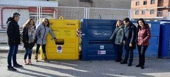 Tarazona estrena en la provincia de Albacete los nuevo contenedores adaptados para personas con discapacidad
