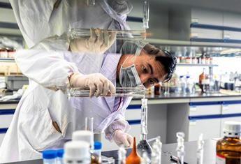 España podría tener en diciembre unas 3 millones de dosis de la vacuna contra el COVID-19