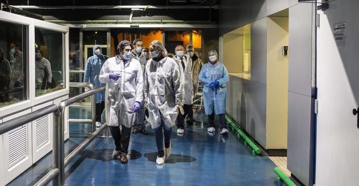 El número de muertos diarios en España repunta a 244 pero los contagios bajan a 685