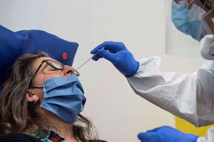 Castilla-La Mancha sigue en números muy altos de coronavirus, con 2.080 nuevos casos y 38 fallecidos