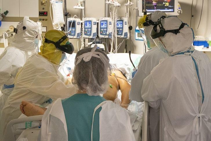 Castilla-La Mancha sumó durante el fin de semana 2.038 casos más de coronavirus, con 8 fallecidos