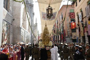 Milagros Tolón tacha de 'tontería' proponer quitar la festividad del Corpus en Castilla-La Mancha