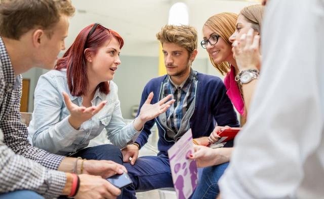 Castilla-La Mancha destina 60.000 euros a la puesta en marcha de corresponsalías juveniles en institutos y centros de adultos