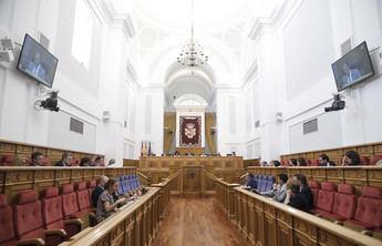 Las Cortes de Castilla-La Mancha piden al Gobierno que declare zonas catastróficas por los daños de las tormentas