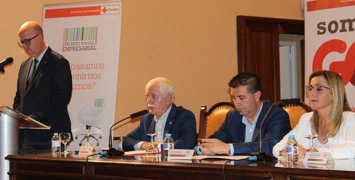 Diputación de Albacete y Junta reconocen el compromiso y la labor de Cruz Roja