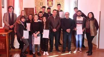 Jóvenes de la Sierra de Alcaraz (Albacete) dan sus primeros pasos para ser cocineros