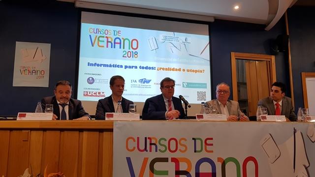 La educación preuniversitaria en Informática centra su debate en un Curso de Verano de la UCLM