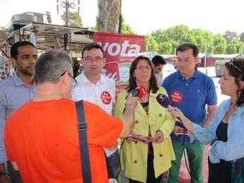 IU de Albacete prosigue su campaña electoral en las calles y centros socioculturales de Albacete y en  El Salobral