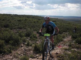 La localidad de Higueruela acoge una nueva carrera del Circuito Provincial de BTT