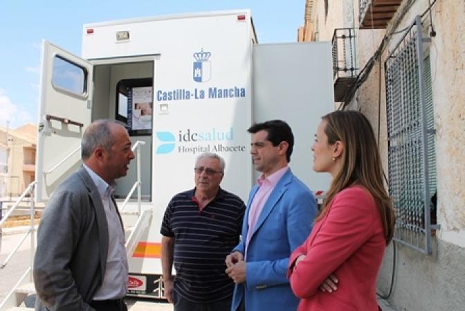 """Javier Cuenca: """"La detección precoz y la educación sanitaria son vitales en la lucha contra el cáncer de mama"""""""