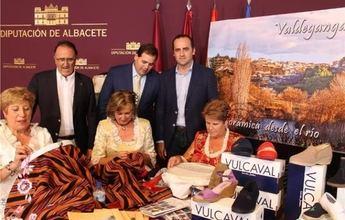 Los productos de la huerta y la oferta turística de Valdeganga cierran el ciclo Ferial 2014 en la Diputación