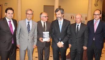 Presentado el libro de Vicente Carrión sobre  la tradición judicial de la ciudad de Albacete