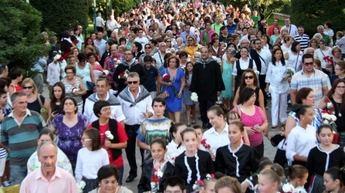 Miles de personas participaron en Villarrobledo en la Ofrenda floral a la Patrona de la ciudad (galería fotos)