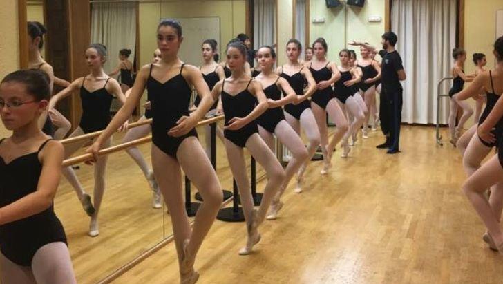 El Día de la Danza llevará a la Plaza del Altozano de Albacete a bailarines y bailarinas del Conservatorio Profesional de Música y Danza