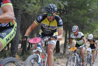 José Antonio Sarría y Nieves Giménez fueron los vencedores de la prueba de BTT de Nerpio