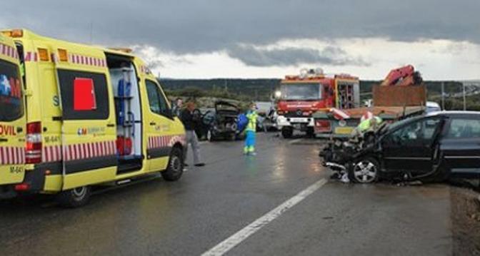 Un choque entre dos vehículos en la A-31, en La Roda, provoca la muerte de uno de los ocupantes
