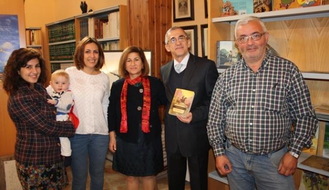 Donado al Centro Cervantino y Fundación Quixote de La Roda un ejempler del Quijote en turco