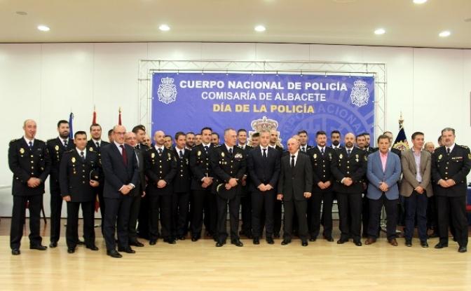 Cinco agentes de la Policía Nacional condecorados en Albacete